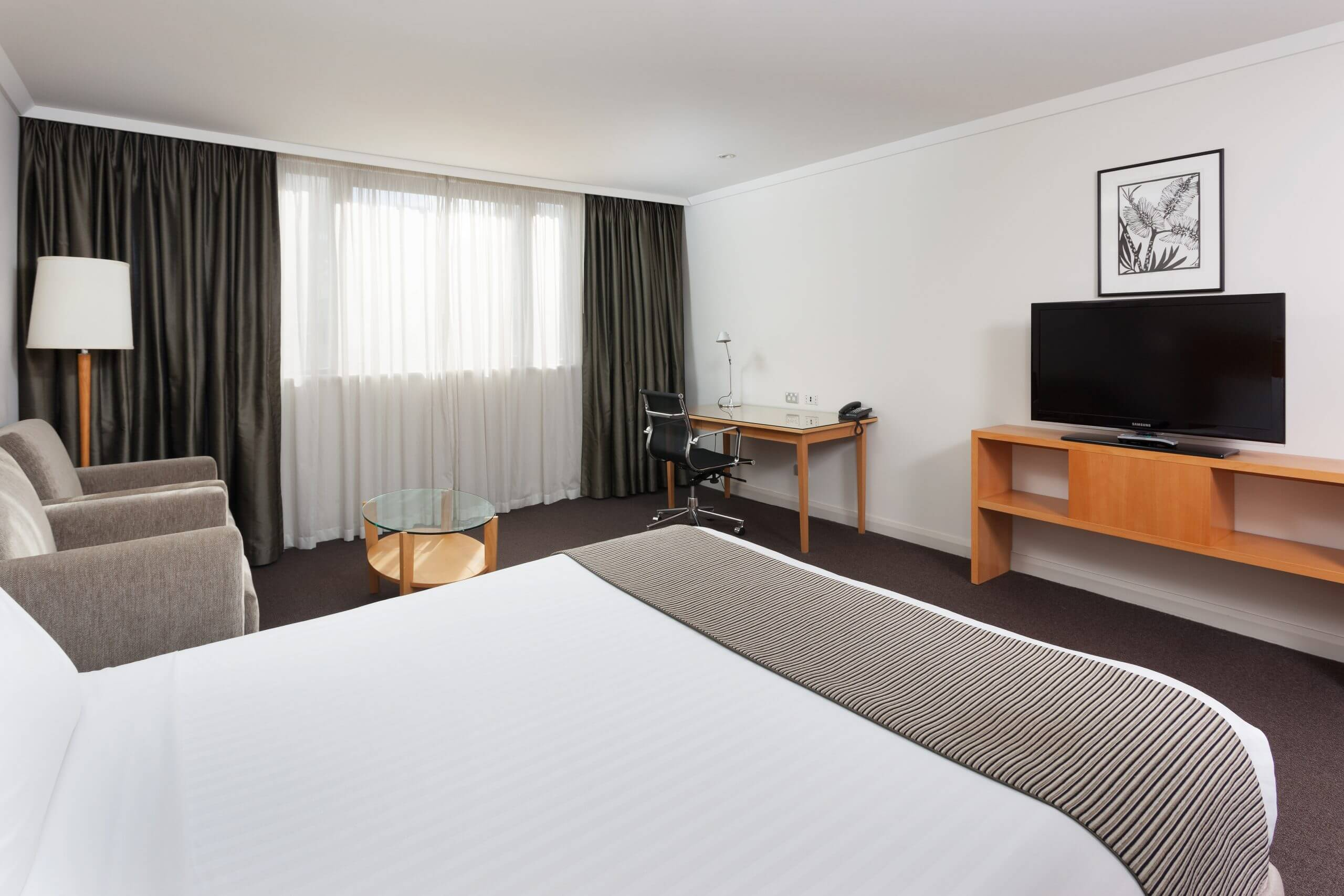 Australia_Perth_Crowne Plaza_Guest Room