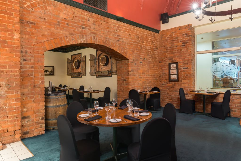 New Zealand_Dunedin_Scenic Hotel_Southern Cross_Restaurant