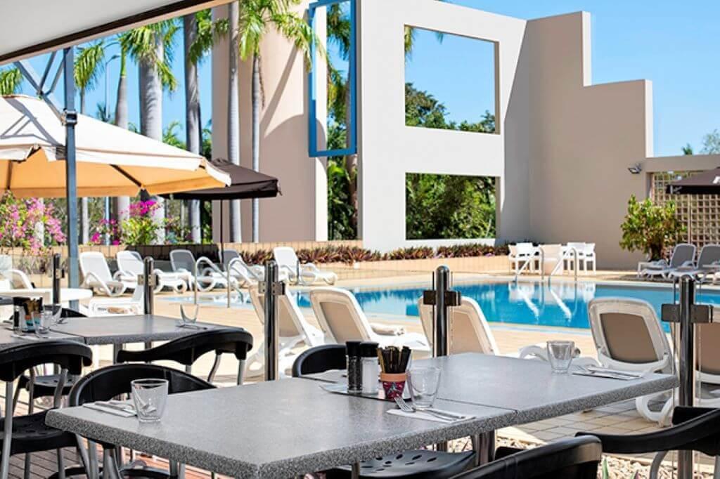 Australia_Darwin_DoubleTree By Hilton_Pool Bar