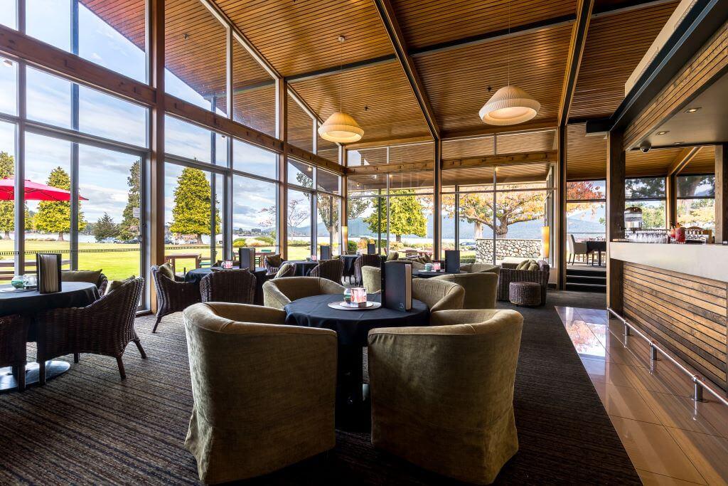 New Zealand_Te Anau_Distinction Hotel & Villas_Bar