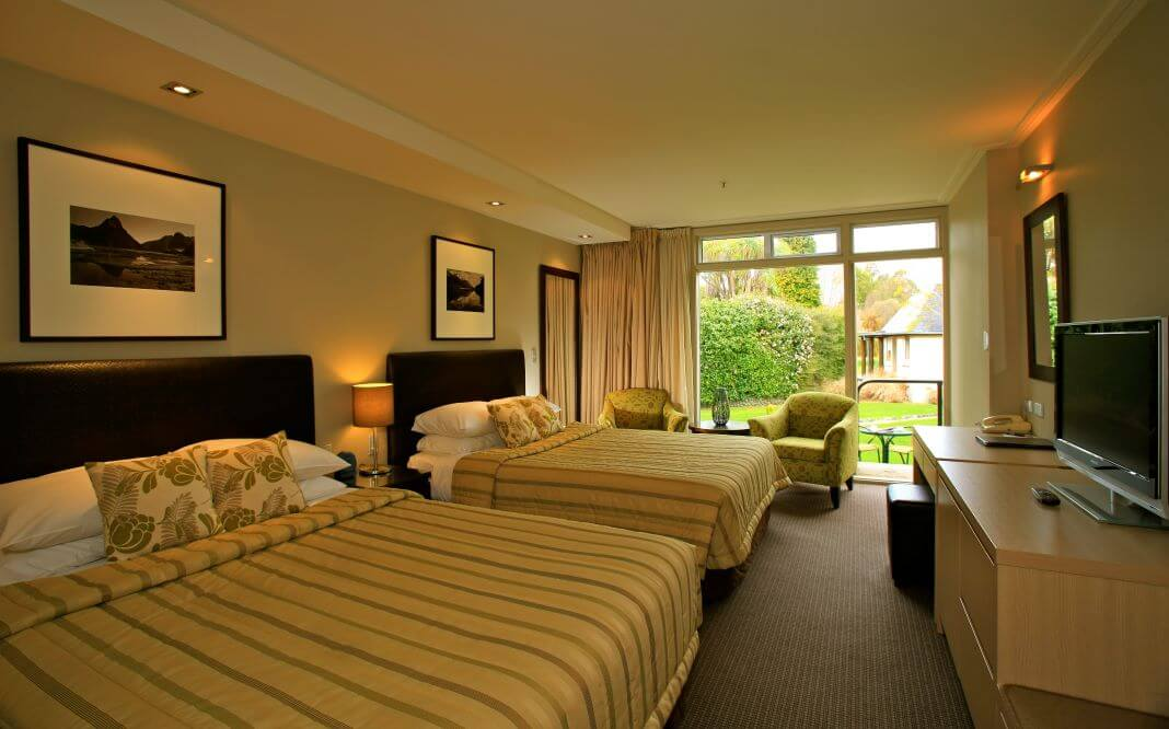 New Zealand_Te Anau_Distinction Hotel & Villas_GV Room