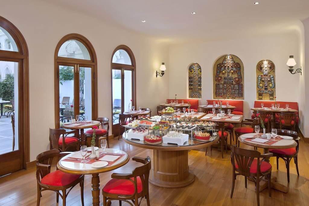 India_Delhi_Maidens_Restaurant