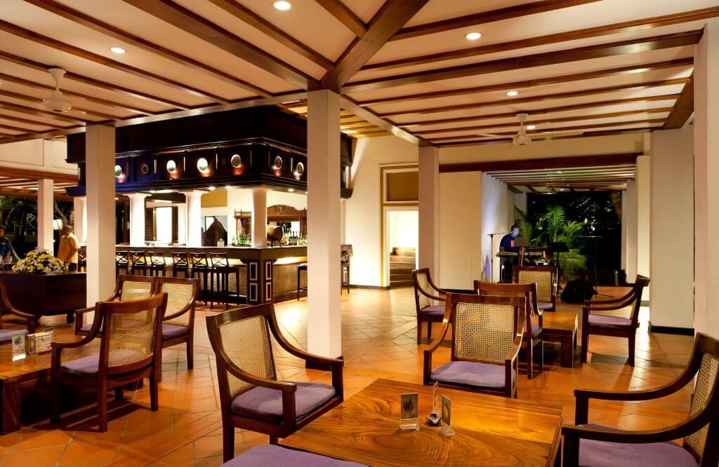 Sri Lanka_Habarana_Cinnamon Lodge_Tuskers Bar