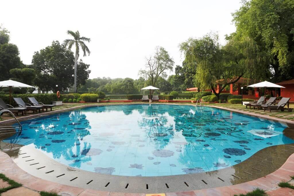 India_Varanasi_Gateway Ganges_Pool