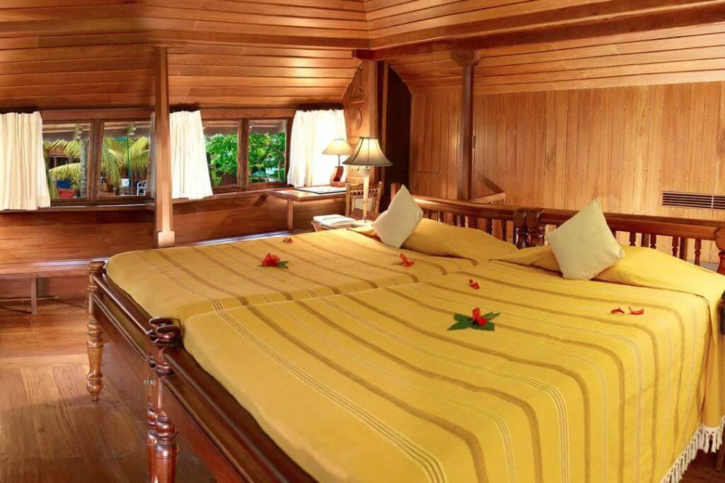 India_Kumarakom_Coconut Lagoon_Room