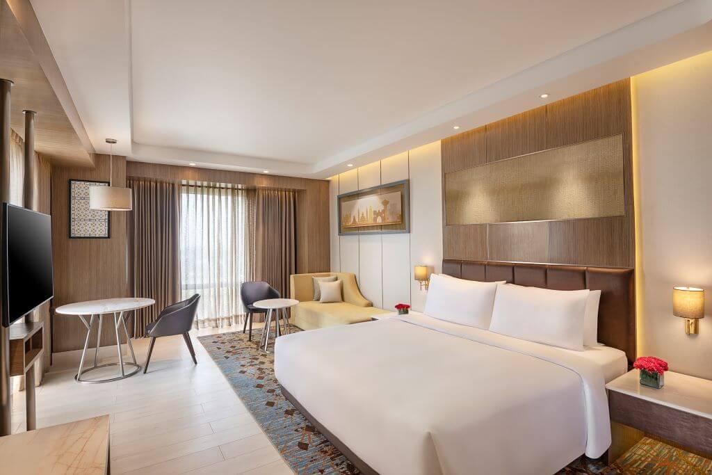 India_Amritsar_Radisson Blu_Room
