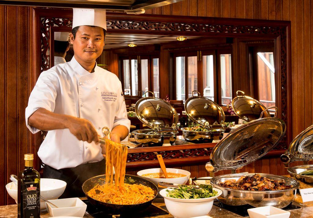 Vietnam_Mekong_RV Bassac Pandaw_Chef